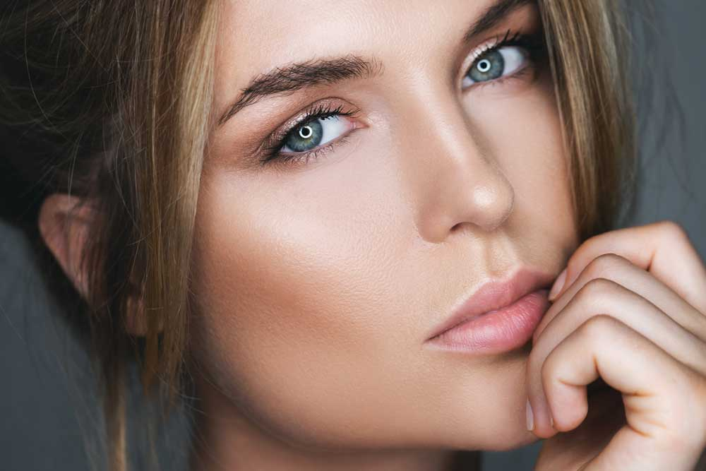 Let your eyes sparkle with a fresh blend of Contact Lense colors